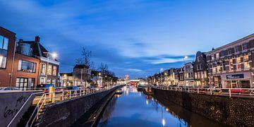 Avondbeeld van de Vaartsche Rijn en de Ooster- en Westerkade, in Utrecht, NL