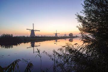 De molens van Kinderdijk bij nacht von Dirk van Egmond