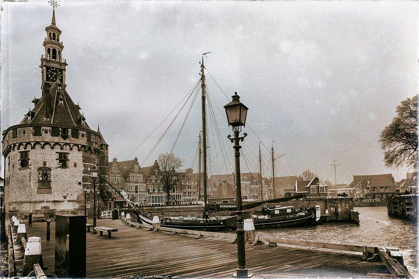Hoofdtoren aan de Hoornse haven van Jan van der Knaap
