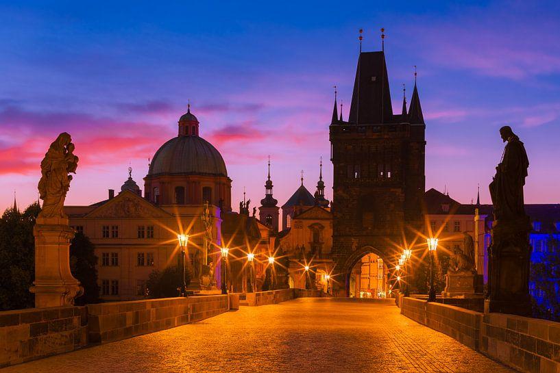 PRAGUE 10 van Tom Uhlenberg