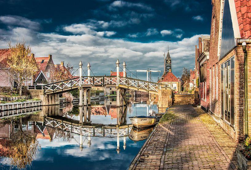 Historische brug in Hindeloopen van Harrie Muis