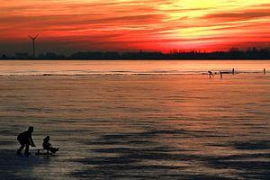IJspret bij zonsondergang