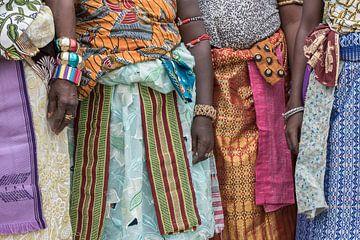 Défilé coloré de femmes en Afrique de l'Ouest | Bénin