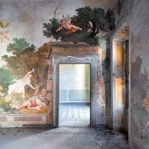 Verlassener Palast mit Fresko.