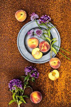 Perziken en bloemen