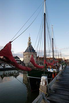 Navire dans le port intérieur de Hoorn sur Esther Seijmonsbergen