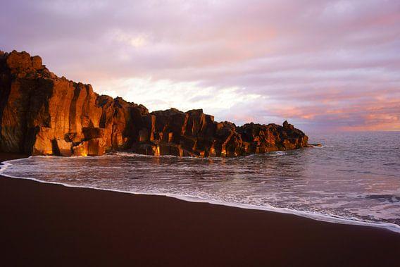 Zonsondergang op Madeira van Michel van Kooten