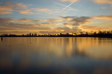 Zonsondergang Skyline Rotterdam sur Jeanine Verbraak