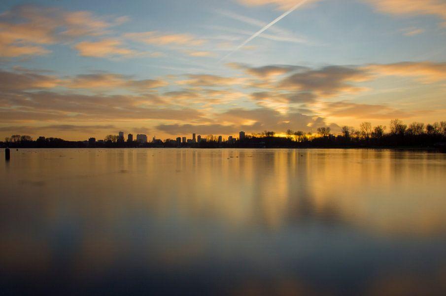 Zonsondergang Skyline Rotterdam van Jeanine Verbraak