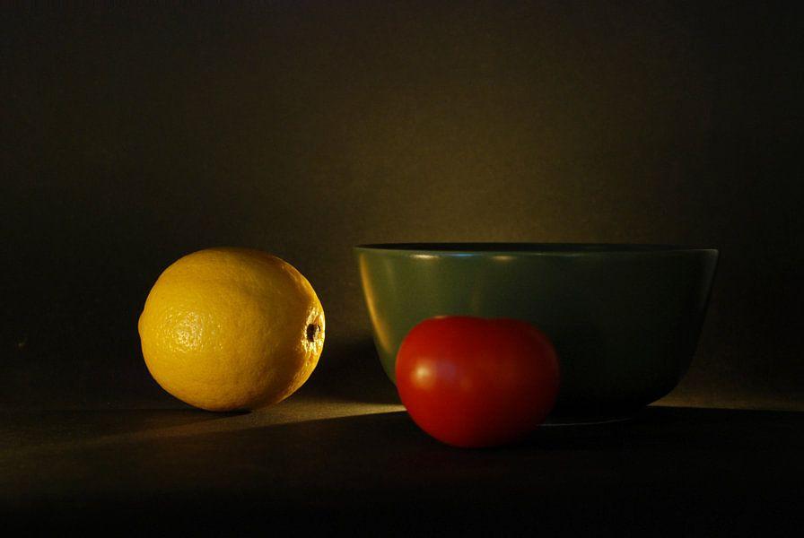 Stilleven citroen-tomaat