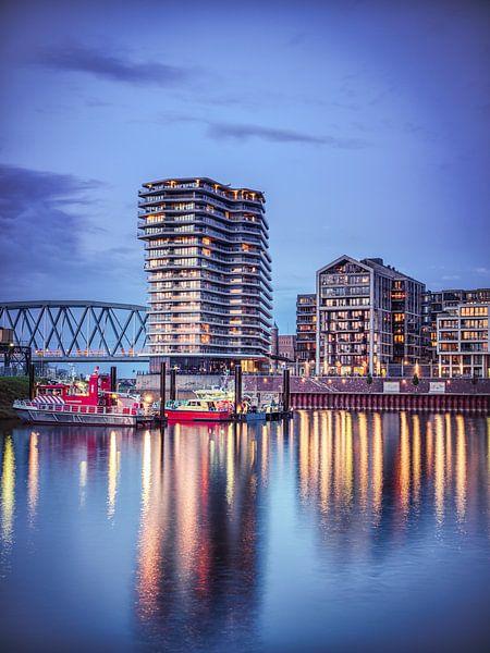 Nijmegen by night #7 van Lex Schulte