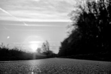 zwart wit weg van Jurgen den Uijl