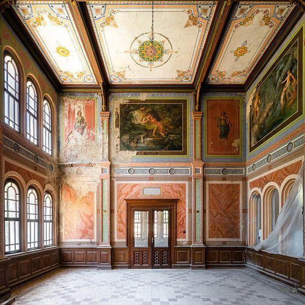 Verlaten Casino in Verval. van Roman Robroek