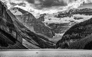 Lake Moraine, Alberta, Canada van
