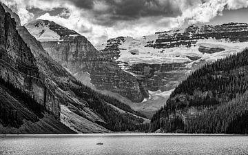 Lake Moraine, Alberta, Canada van Philippos Kloukas