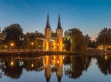 De Oostpoort in Delft (Holland) van Arisca van 't Hof