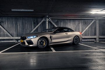BMW M8 Competition Cabriolet in Garage van Jarno Lammers
