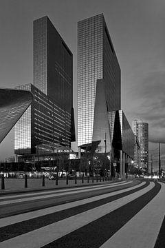 Delftse Poort à Rotterdam en noir / blanc sur Anton de Zeeuw