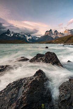 Zeegezicht in Torres del Paine van Stefan Schäfer