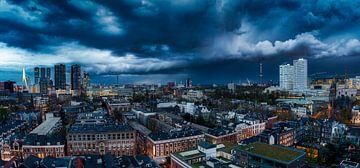 Shelfcloud panorama boven Rotterdam van