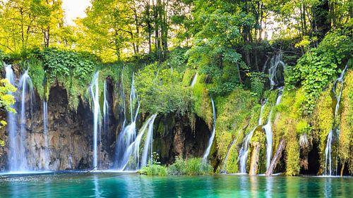 Plitvice waterfalls van