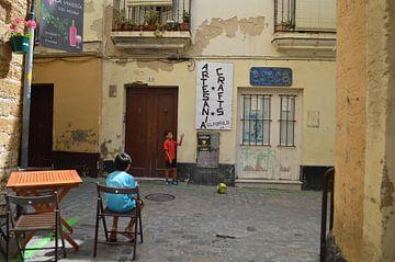Spelende kinderen op straat van Coco Gonzalez