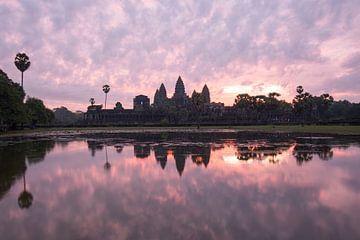 Zonsopkomst Angkor Wat van Yvs Doh