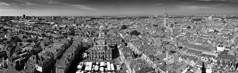 Panorama Delft zwart / wit van Anton de Zeeuw
