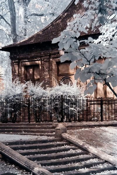 English garden house van Helga Novelli