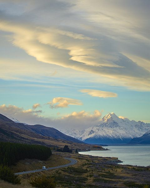 Lenticulaire wolken over Mount Cook van Keith Wilson Photography