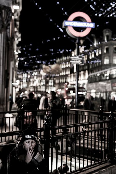 Whatever - London Metro Station van Francisca Snel (Cissees)