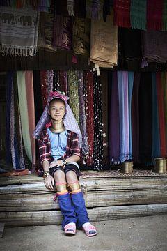 Langnek meisjes uit Myanmar van Karel Ham
