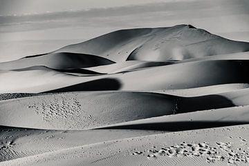 Morgenlicht auf Erg Chagaga; marokkanische Sahara von Bep van Pelt- Verkuil