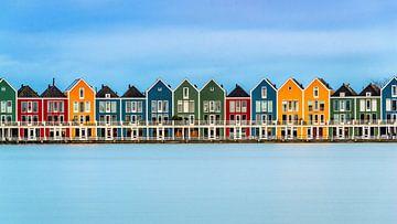 Bunte Häuschen auf dem Rietplas in Houten (Niederlande) von Bert Beckers