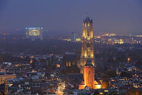Binnenstad van Utrecht met Domtoren, Domkerk en Buurkerk, foto 2 von Donker Utrecht