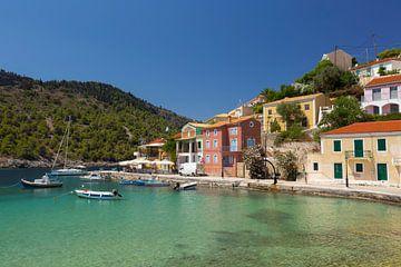 Assos auf der Insel Kefalonia in Griechenland. von Rob Christiaans
