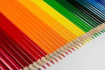 Collectie van bont gekleurde potloden van