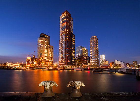 Rotterdam skyline, Rotterdams stadsgezicht Wilhelminapier, Kop van Zuid, Zuid-Holland, Nederland van Frank Peters