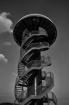 Wachturm im Hafen des Europoort-Gebiets von Etienne Rijsdijk