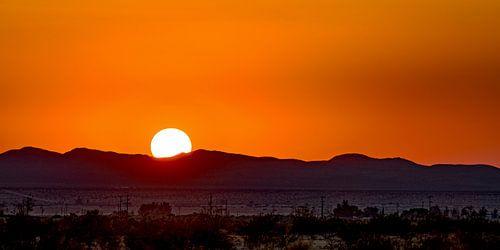 Zonsondergang in de Mojavewoestijn