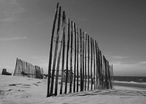 hek op het strand  van Dirk van Egmond