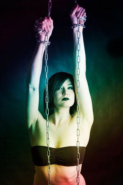 Woman in chains art van Han de Bruin
