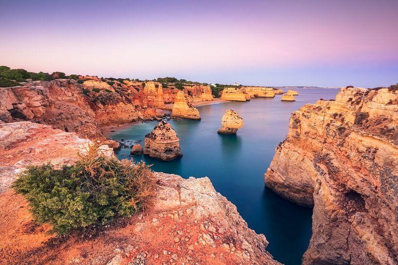 If the rocks glow  (Praia da Marinha / Algarve / Portugal) van Dirk Wiemer
