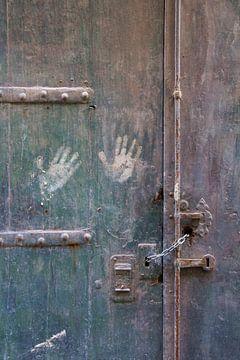 Detail oude deur van Yke de Vos