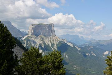 Berg in Frankrijk van Ruud Wijnands
