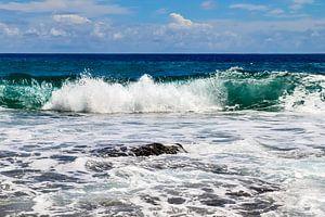 Wilde Ozeanwellen auf den Seychellen