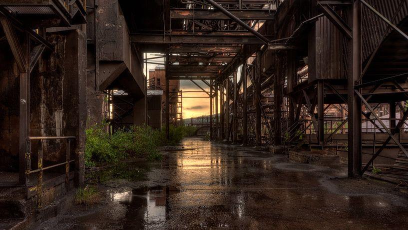 Industriële lucht na de storm ! van Karl Smits