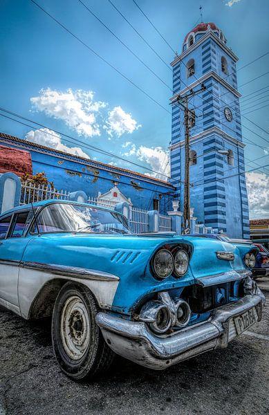 Blauwe oldtimer in Sancti Spiritus van Joris Pannemans - Loris Photography