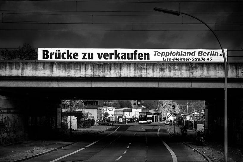 Schwarz Weiss - Brücke zu verkaufen van Holger Debek