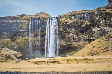 Seljalandfoss IJsland van Angela Worst
